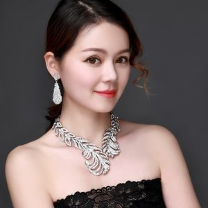 Feather Crystal Rhinestone Crystal Statement Necklace - Luxury Elegant Fashion European Baroque Necklace For Party