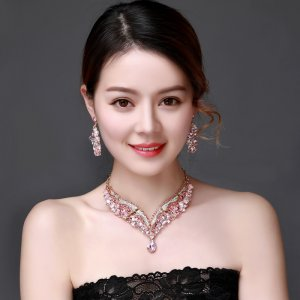 Pink Crystal Rhinestone Crystal Statement Necklace - Luxury Elegant Fashion European Baroque pink Necklace For Party