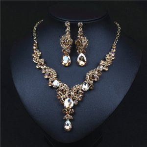Champagne Crystal Rhinestone Crystal Statement Necklace - Luxury Elegant Fashion European Baroque Flower Necklace For Party