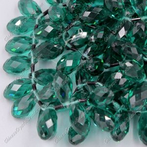 10x20mm, Briolette beads, emerald, 10 beads