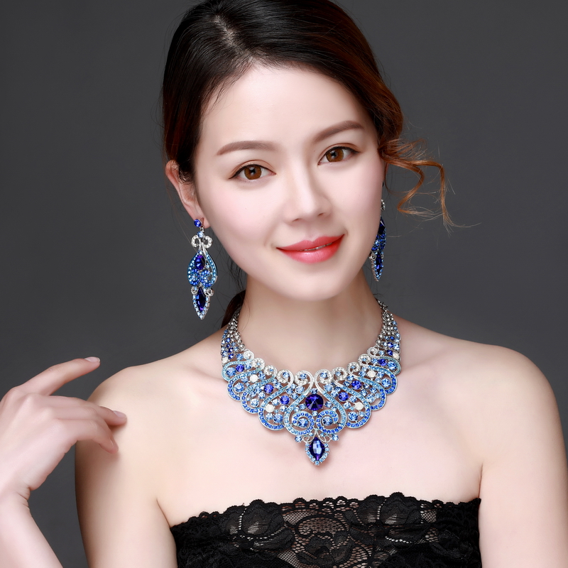 Women's Luxury Crystal Rhinestone Crystal Statement Necklace - Luxury Elegant Fashion European Baroque Flower Necklace For Party