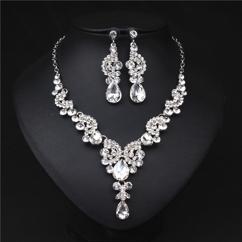 White Crystal Rhinestone Crystal Statement Necklace - Luxury Elegant Fashion European Baroque Flower Necklace For Party