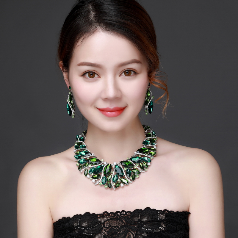 Green Crystal Rhinestone Crystal Statement Necklace - Luxury Elegant Fashion European Baroque Necklace For Party