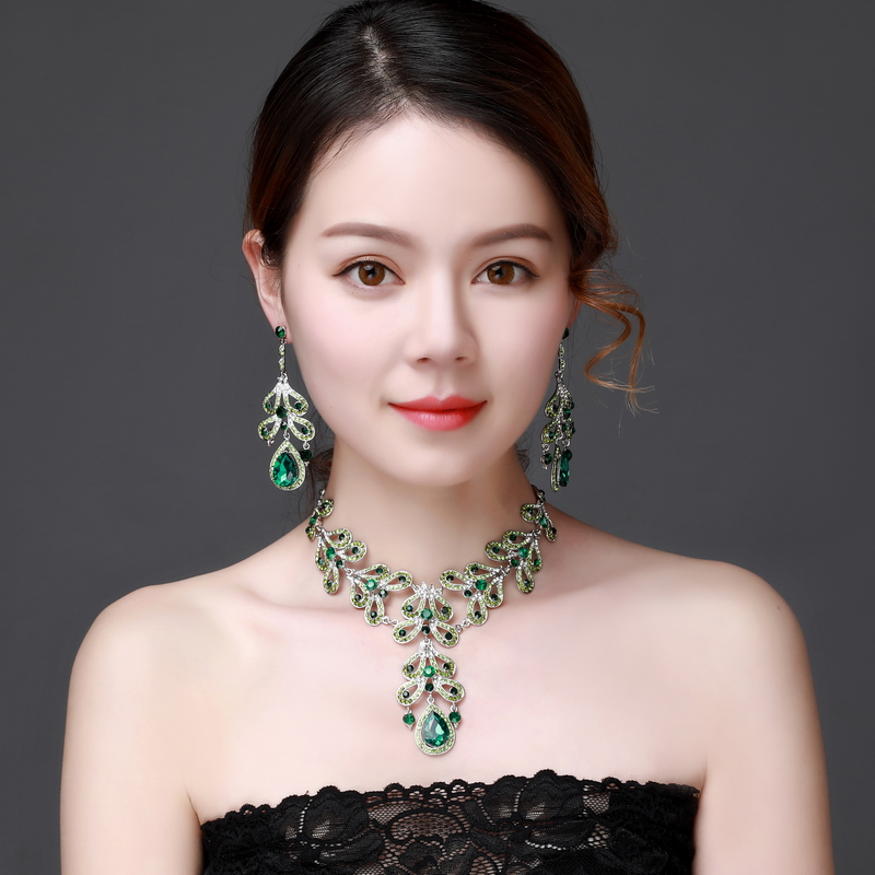 Green flower Crystal Rhinestone Crystal Statement Necklace - Luxury Elegant Fashion European Baroque pink Necklace For Party