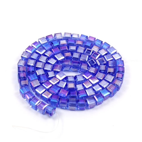 98Pcs 4mm Cube Crystal beads, med sapphire AB